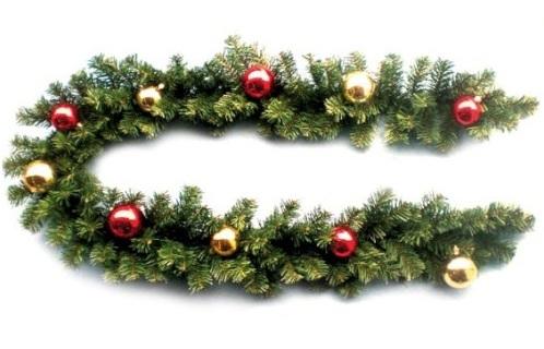 Новогодняя гирлянда хвойная, украшенная шарами 2-х цветов, длина 200 см, 130 веток (6,3см), 6 цветов, артикул Н88662, фирм Снегурочка, хвойное украшение для новогоднего оформления залов, помещений ресторанов, украсить на новый год